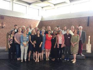 Gruppenfoto des Qualifizierungskurses vom Sendungsgottesdienst