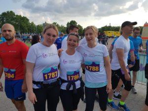 Unsere drei Läuferinnen, die für den Ev. Hospiz- und Palliativ-Verein auf dem Darmstädter Firmenlauf starteten.