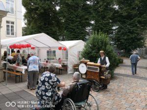 Foto vom Platz der Veranstaltung Pavillon mit Musiker